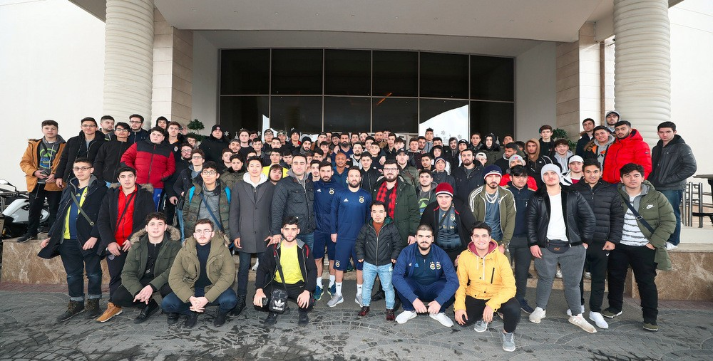 Surprise Visit from Young Fellows of YTB to Fenerbahçe and Beşiktaş Football Team Camps